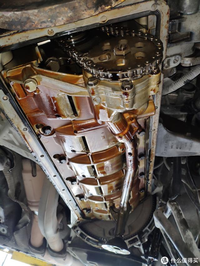 20万公里的老款宝马5系大维修,维修师傅:简直在烧钱