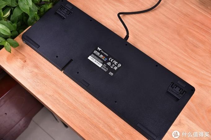 TT LEVEL 20 RGB键盘上手体验和简单分享