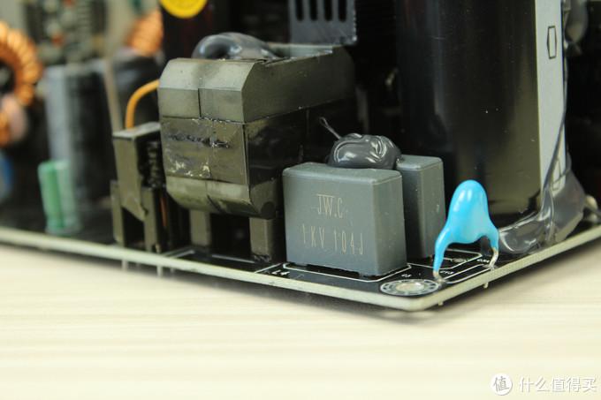 实拆见真章  400元的鑫谷GP700P白金版电源开箱