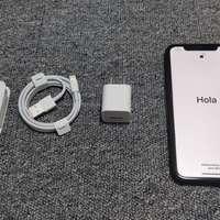苹果 iPhone XR 智能手机外观展示(耳机 数据线 摄像头 屏幕)