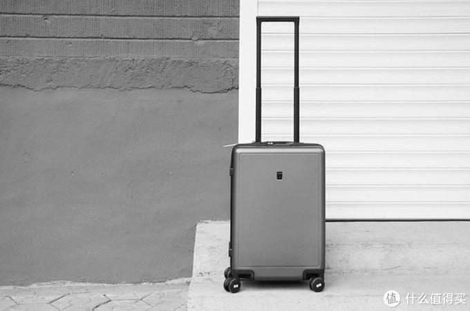 为远方,不虚此行:地平线8号旅行者登机箱体验