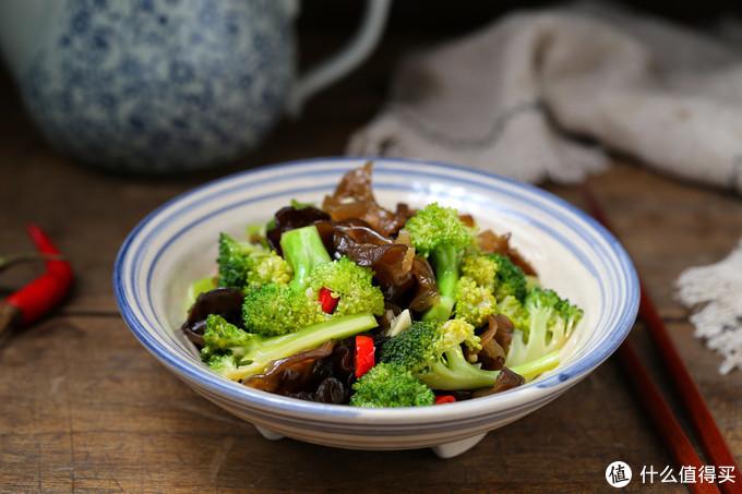 夏天太热就别炒菜了,试试这道凉拌菜,爽口开胃热量低,干吃不胖