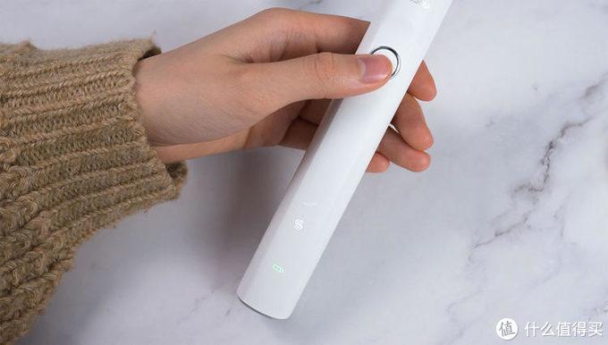 这款200元出头的电动牙刷,比飞利浦入门款拽几倍!