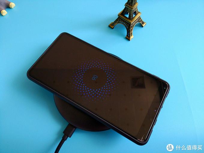 你手机的无线充电还是鸡肋般的存在吗?快为你的爱机配个它吧!