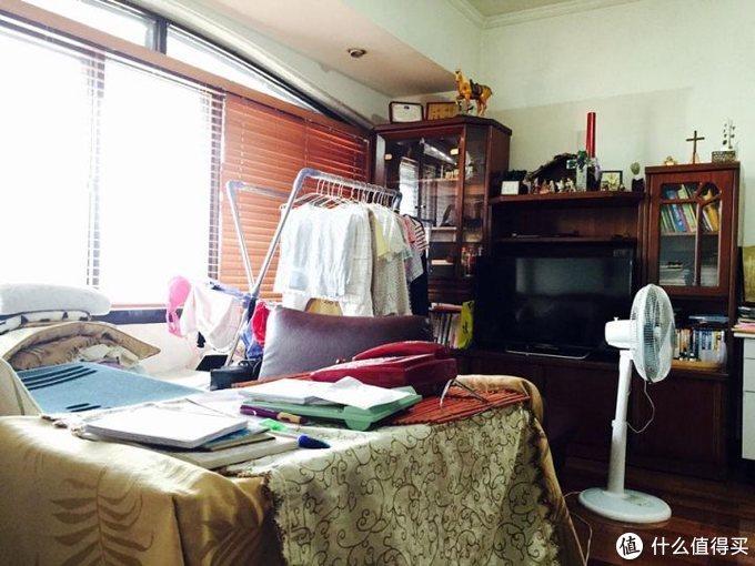 宜家爆改35年老破10㎡客厅,变身爸妈落泪的飘窗谈心区