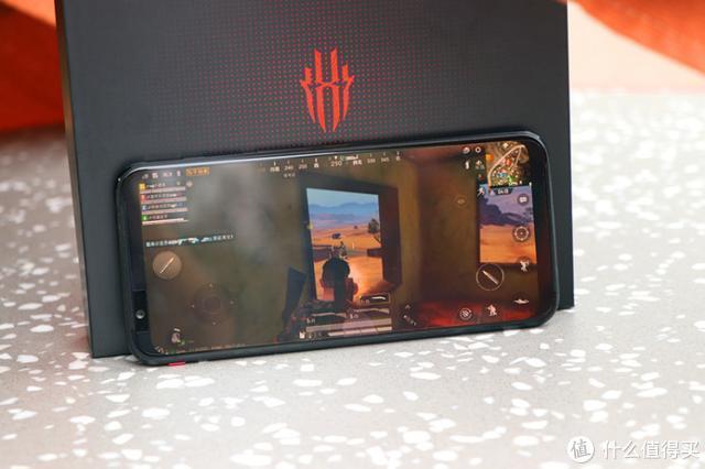不羡慕西装暴徒,玩游戏我选铠甲战士——红魔3手机体验评测