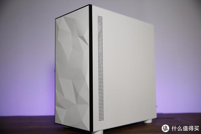 白色更优雅 分享爱国者YOGO M1游戏药丸迷人小机箱