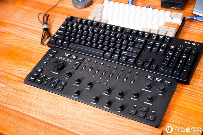 两个显示器三把键盘只为在家更好的加班?桌面改造3.0
