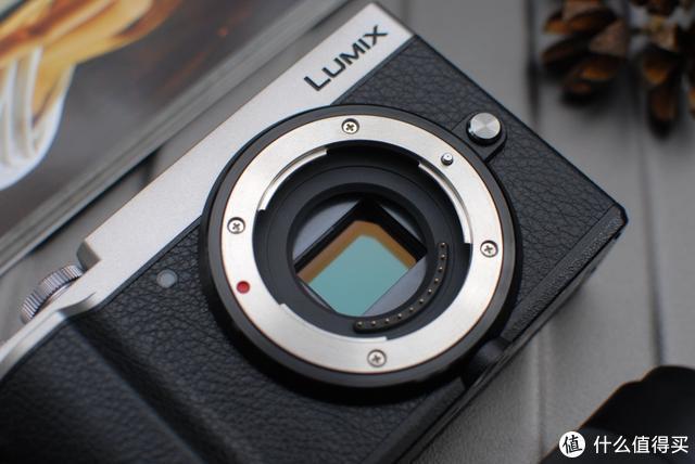 全面的操控与出色成像,还原徕卡黑白单色!--松下LUMIX GX9 评测