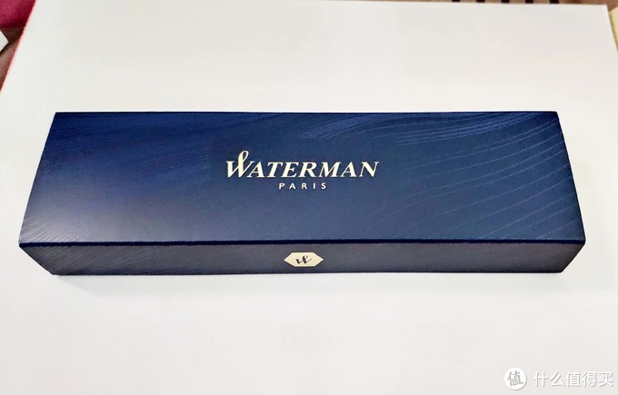 抽出里面的盒子,蓝色WATERMAN标准的盒子