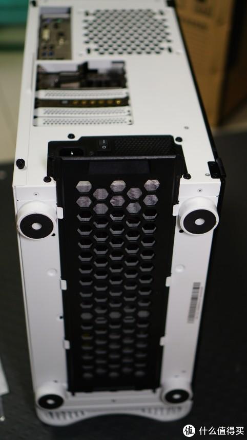 炫酷的灯厂机箱——Tt挑战者H3电脑机箱
