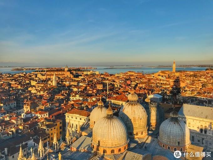 圣马可钟楼俯瞰威尼斯老城区