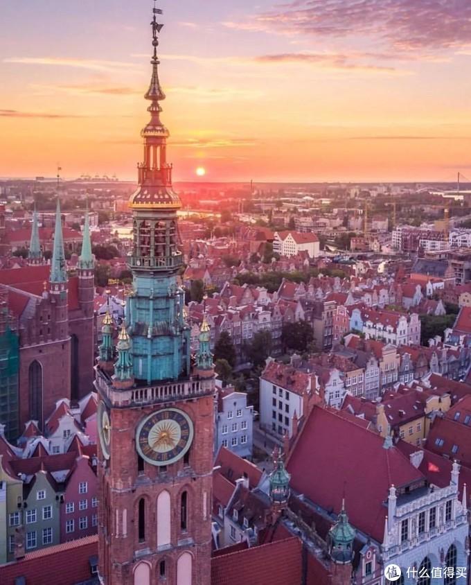 这个欧洲物价最低的国度,有着不输德瑞的风景,办好签证,攒够机票钱就能玩得尽兴!