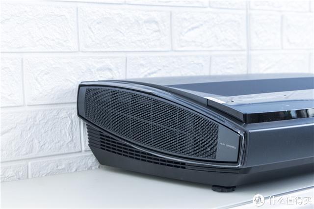 88英寸巨屏4K超清画质,土豪级影音坚果SU激光电视测评