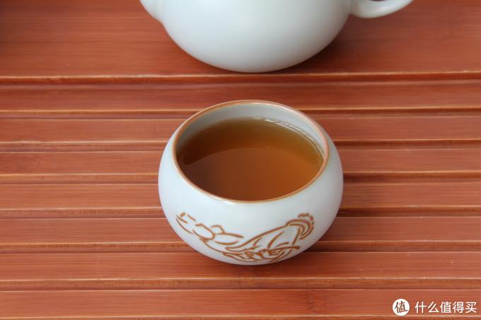 初涉汝瓷的爱好者该如何选择适合把玩的汝瓷茶具?