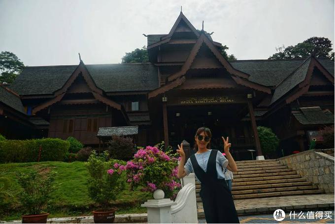 皇宫在中国人看来就跟一个知府宅子差不多