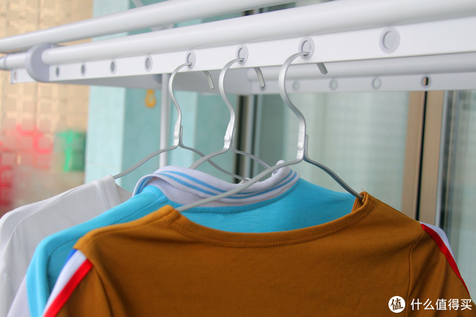 邦先生电动晾衣架:晾衣、照明、烘干一次就能实现三个愿望