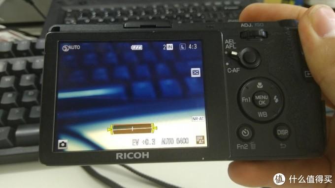 相机的一些功能还是好用的。调整照相的按键在这个状态下不能工作。
