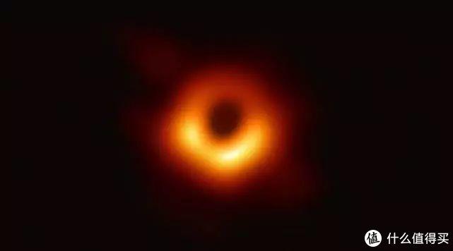 这张黑洞照片想必大家再熟悉不过了