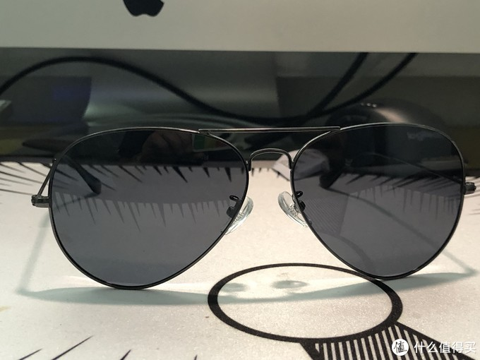 数码产品清洁套装、iPhone保护壳、HAN太阳镜