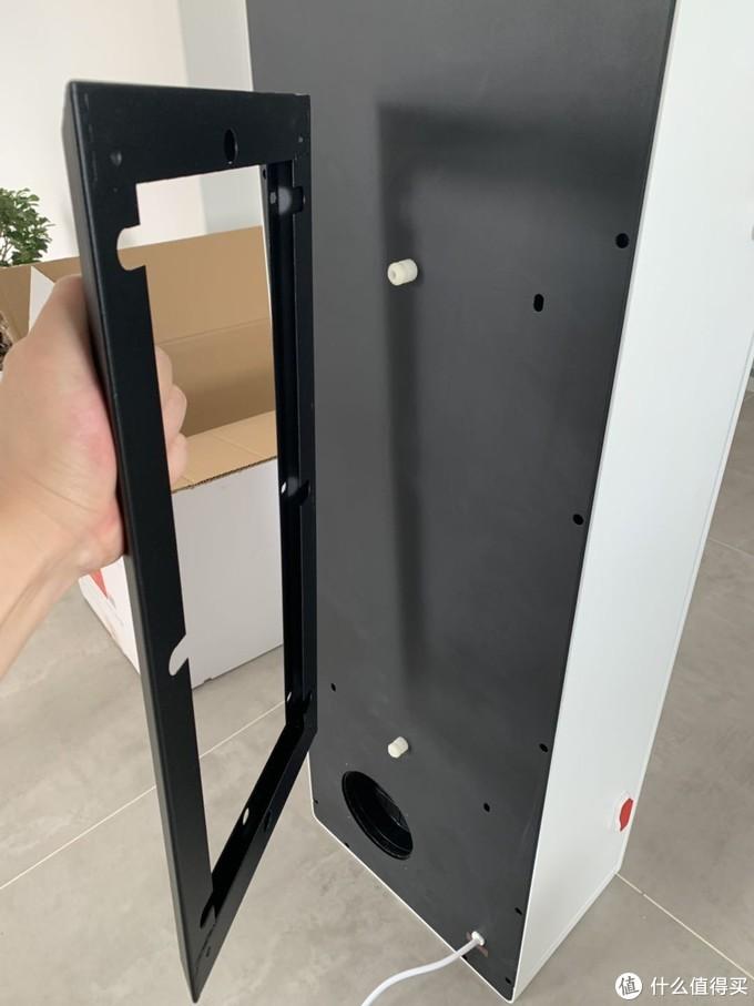 背部支架焊接平整并进行了烤漆处理,双层结构结实可靠