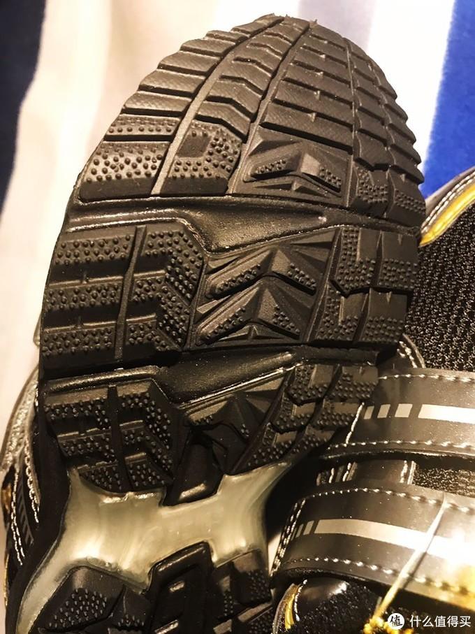 Runner mini MG 3的超级细节鞋底图
