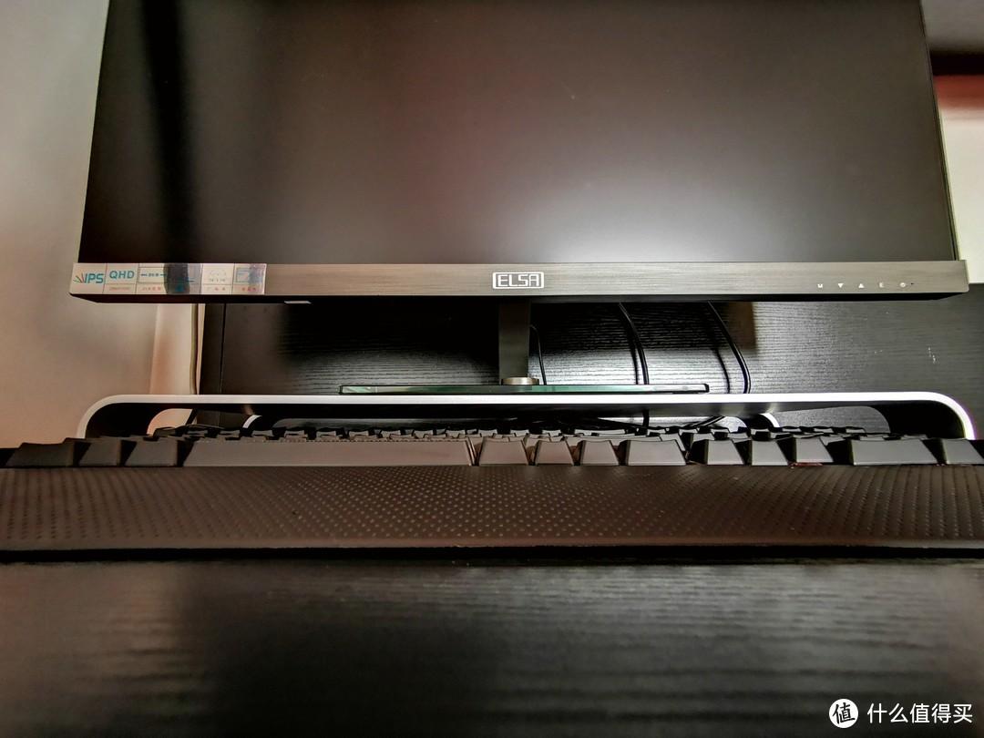要想生活过得去,桌上必须带点铝——iQunix Spider屏幕显示器支架
