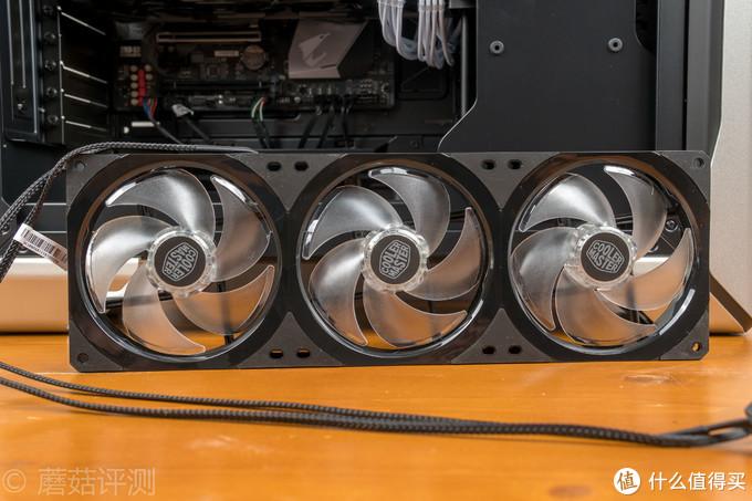 模组式设计让走线安装更加简洁方便——酷冷至尊 MasterFan SF360R ARGB 一体式机箱风扇