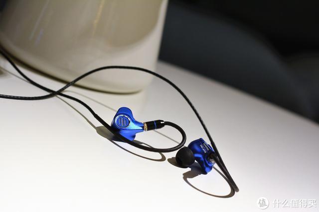 全金属+七单元楼氏圈铁+卡扣式换线设计,BGVP DMS发烧耳机评测