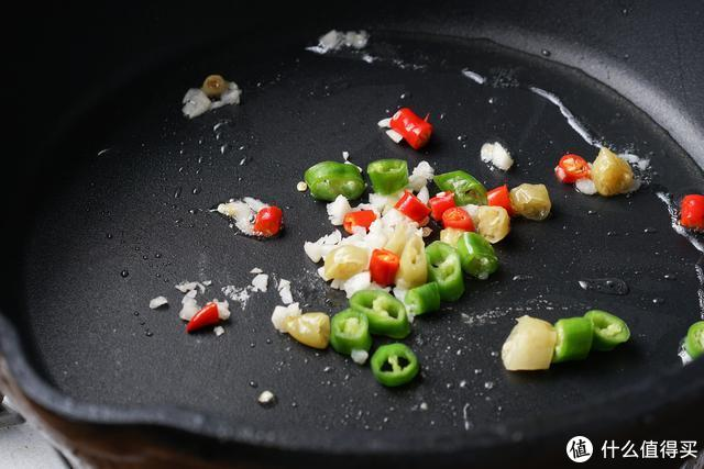这菜形如筷子,细如手指,炒着吃,素菜也是米饭杀手