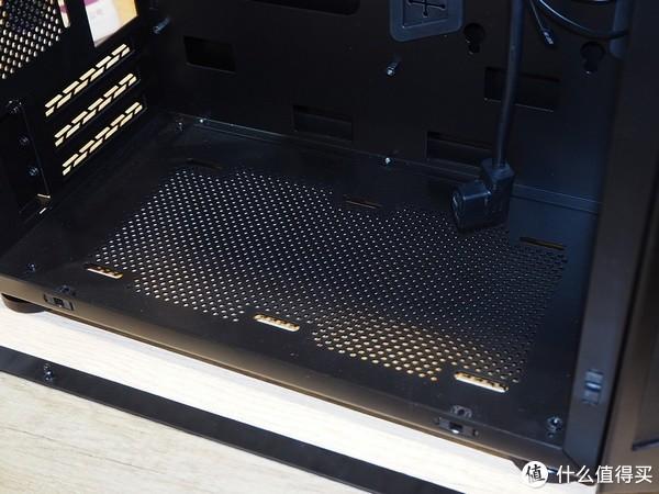 可手提的机箱:Lian Li 联力 展出 TU150 手提迷你ITX机箱