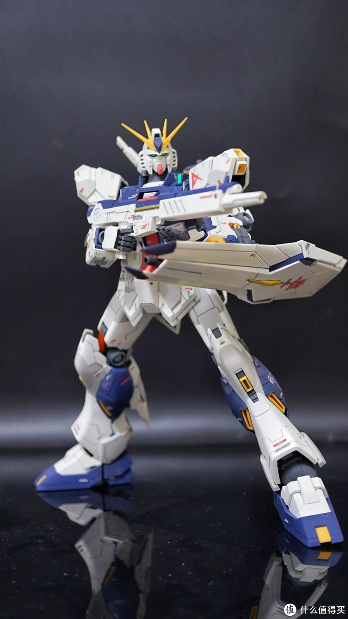 牛高达不仅仅是好看而已——RX-93 ν Gundam