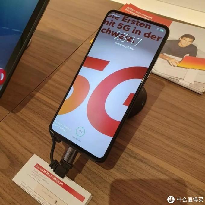 小米成为全球首批商用5G手机厂商之一,雷军道贺工信部发放商用牌照