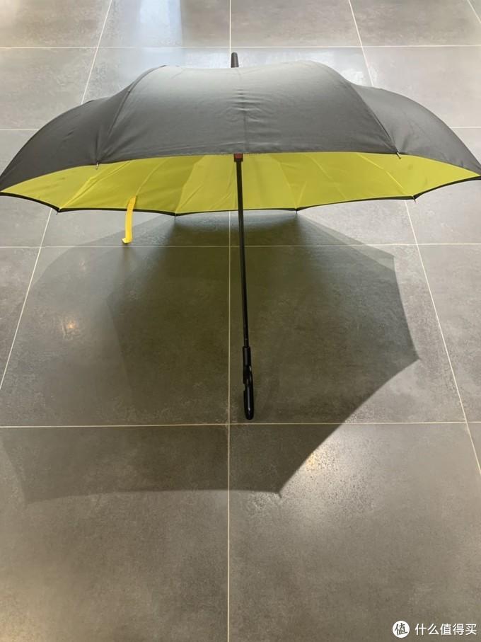 夏天来了,4把晴雨伞,从手动、机械半自动到电动,见证懒人终将统治世界