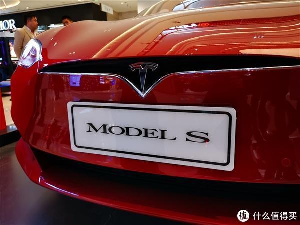 特斯拉Roadster开启预定 全新一代宝马Z4正式上市