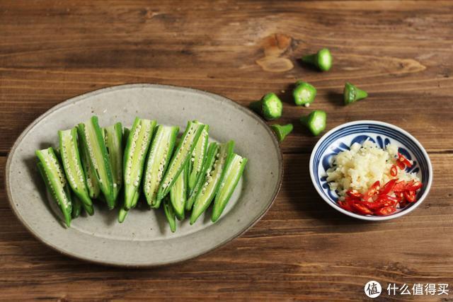 这菜长得酷似辣椒,却不是辣椒,用来凉拌味道清脆又爽口