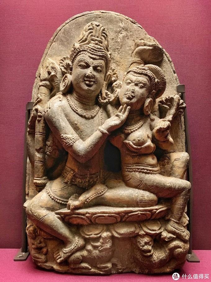 056 湿婆与帕尔瓦蒂雕像 900-1000年 印度