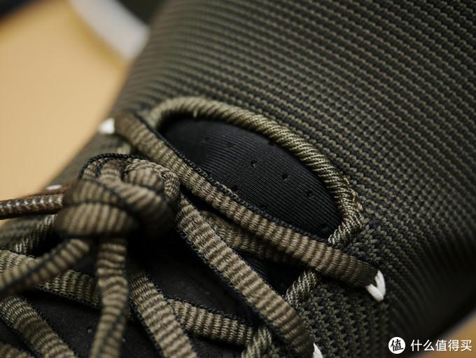 和鞋面接缝处的做工看着就很舒服