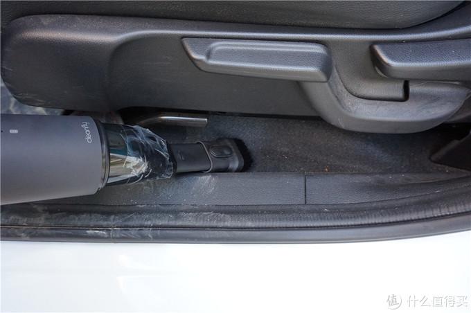 车内太脏,去洗车店清理完后,我居然还清理出这么多污垢