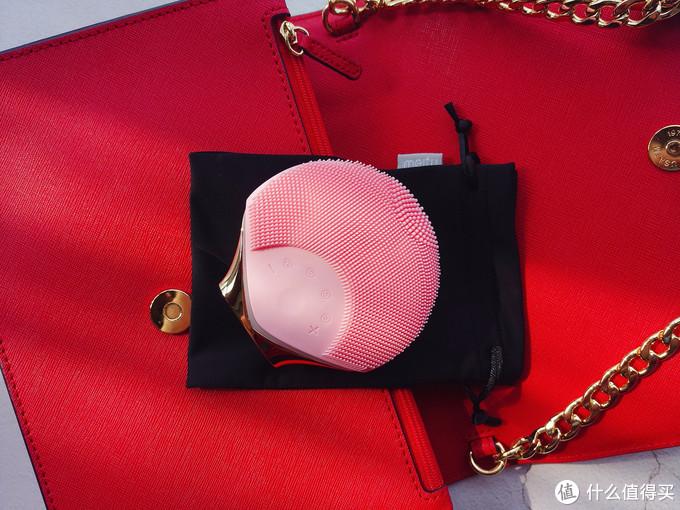 媲美千元的网红洗脸神器-美图小贝壳洁面仪,而它不仅仅只会洗脸