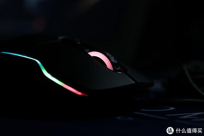 划破寂静深夜,雷柏VT200S玩转RGB