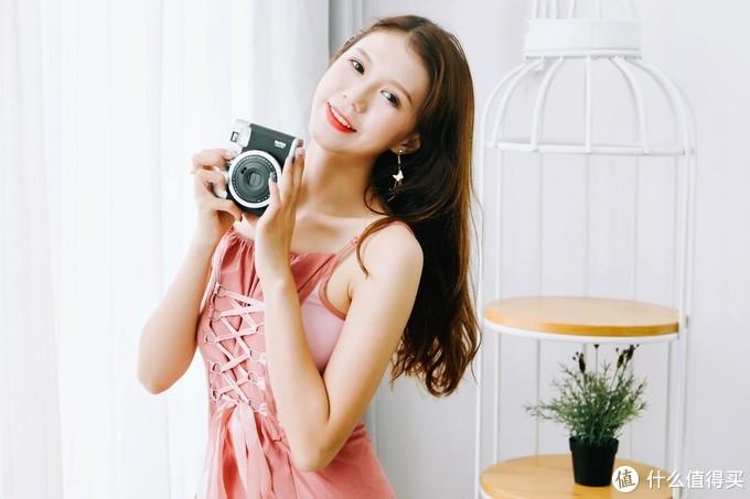 富士instax mini90掀起一次成像相机的经典复古风潮
