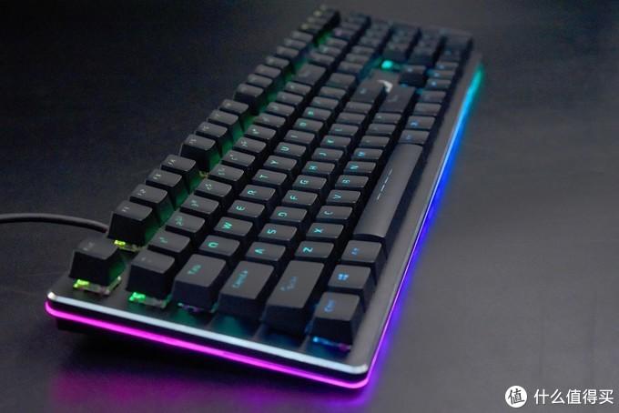 达尔优EK925 RGB暗夜流光 机械键盘评测—灯光的视觉盛宴