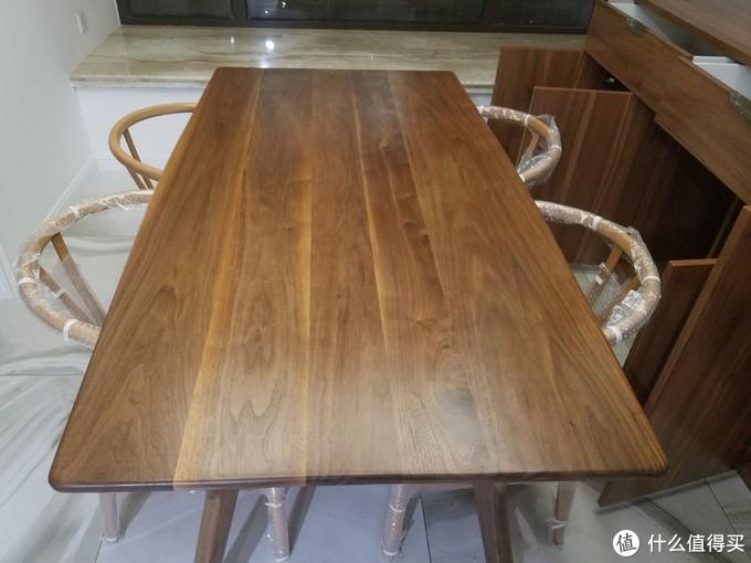 黑胡桃实木餐桌,木蜡油涂装