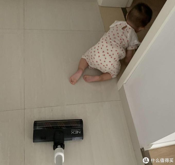 放心让娃满屋爬,睿米帮我搞定全屋清洁