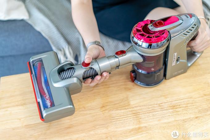 拖地比蹓狗还爽!一分钟拖完客厅地板,由利这套清洁工具堪称腰椎保护神
