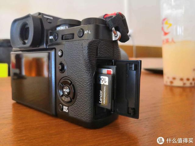 刚学玩Vlog?要想视频拍好,内存卡也是关键!上手雷克沙1667X