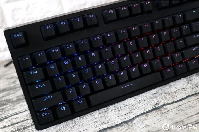 玩游戏一把好键盘就可以--雷柏V808 RGB游戏机械键盘