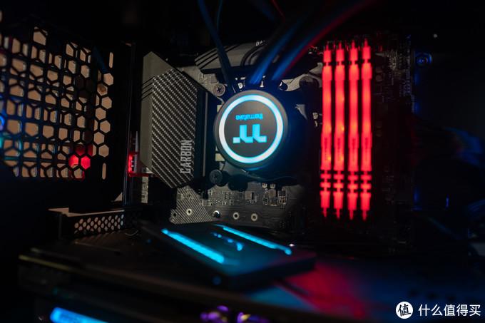 FURY雷电DDR4 RGB内存
