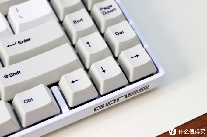 堪称完美,高斯又推出了一把可以无脑推荐的的键盘——GANSS ALT71无线键盘